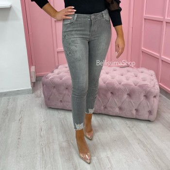 JEANS GRIS & BRODERIE